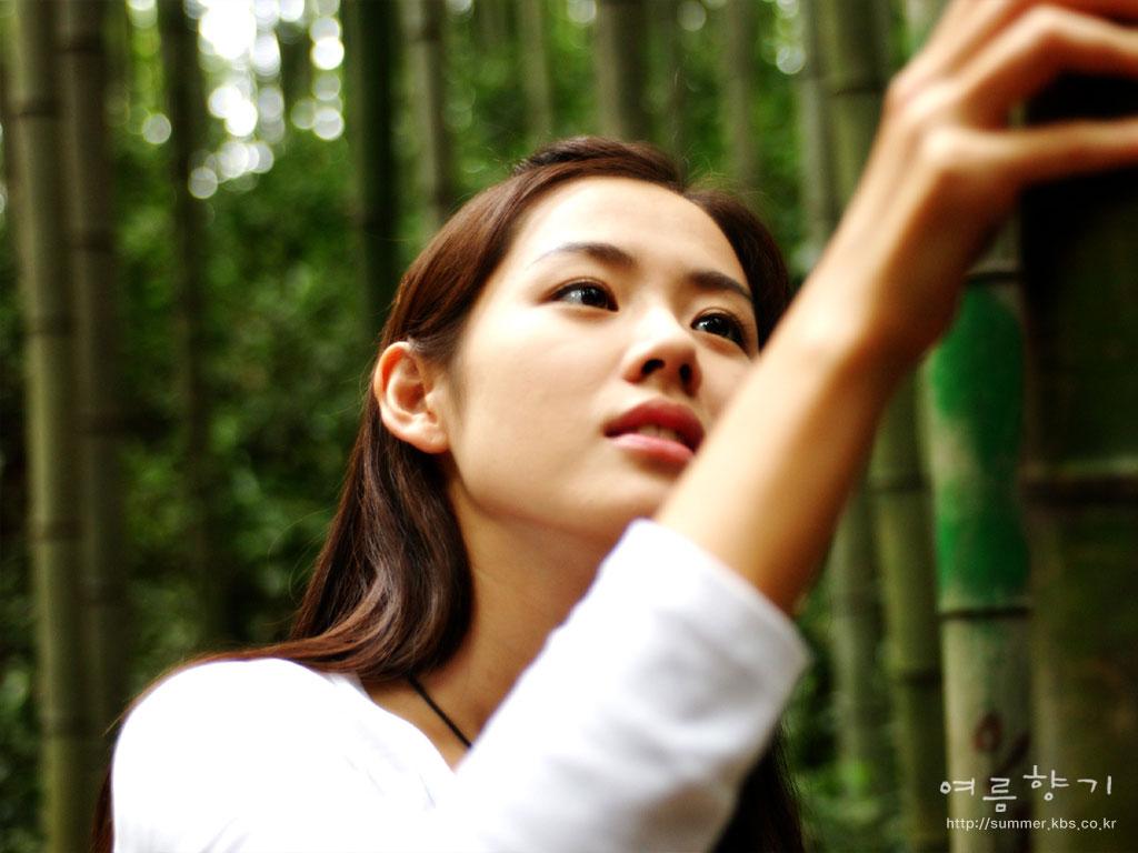 Son Ye-jin Summer Scent wallpaper
