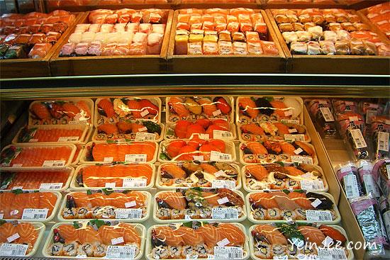 Hong Kong 7-Eleven sushi bar