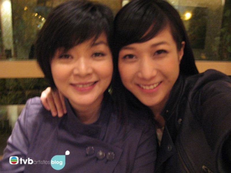 Linda Chung meets Idy Chan at TVB canteen