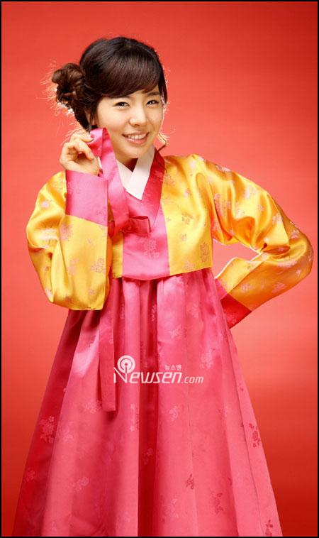 SNSD Sunny in Hanbok