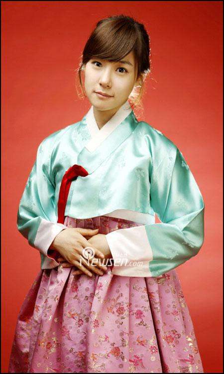 SNSD Tiffany in Hanbok