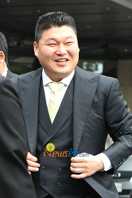 Kang Ho-dong at Yoo Jae-suk wedding in Seoul, Korea