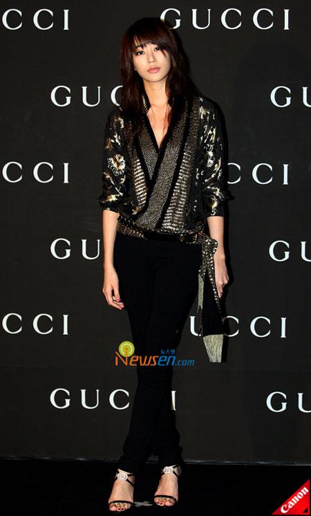 Korean artist Kim Hyo-jin at Gucci 0809 FW Collection in Seoul