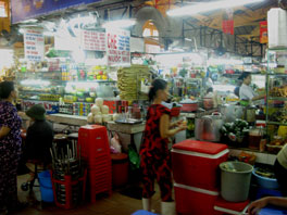 Picture of fresh food vendors at Ben Thanh Market in Ho Chi Minh City, Vietnam
