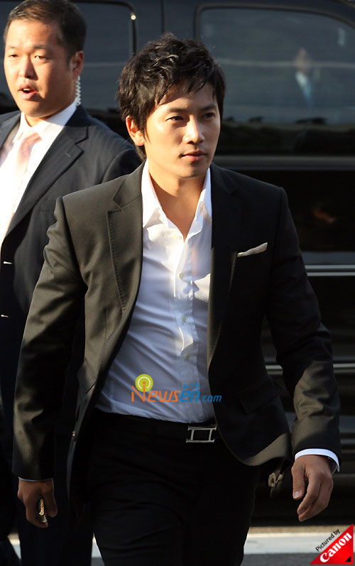 Picture of Korean actor Ji Sung at Kwon Sang-woo wedding ceremony