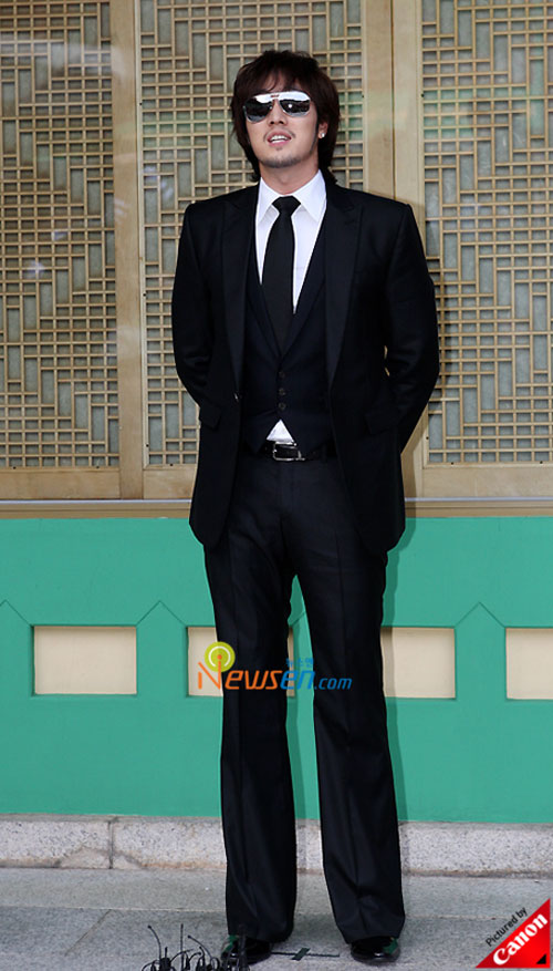 Picture of Korean actor So Ji-sub at Kwon Sang-woo wedding ceremony