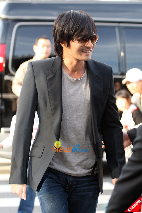 Picture of Korean actor Jang Dong-gun at Kwon Sang-woo wedding ceremony