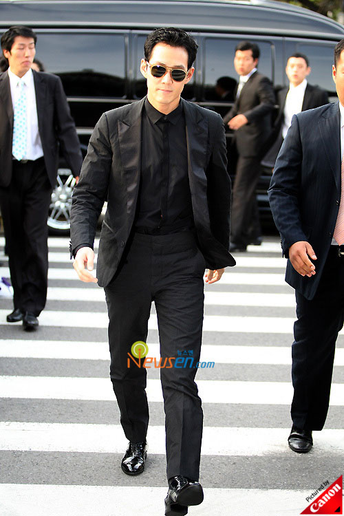 Picture of Korean actor Lee Jung-jae at Kwon Sang-woo wedding ceremony