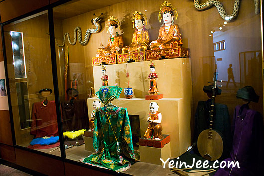 Traditional Chinese costumes at Vietnam Museum of Ethnology in Hanoi
