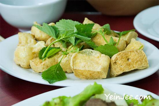 Crunchy bean curd at Hue Food Restaurant in Hanoi, Vietnam