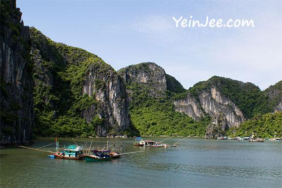 Floating fishing village at Halong Bay, Vietnam