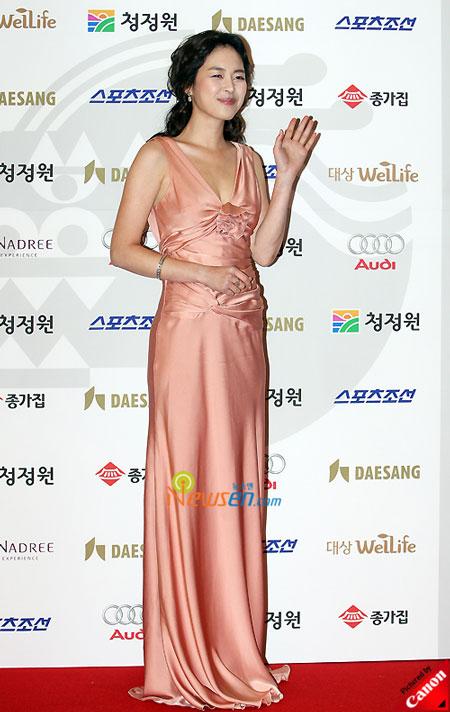 Korean actress Lee Hana Blue Dragon Film Awards 2008
