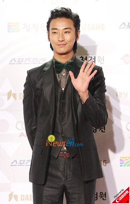 Korean actor Joo Ji-hoon at Blue Dragon Film Awards 2008 in Seoul
