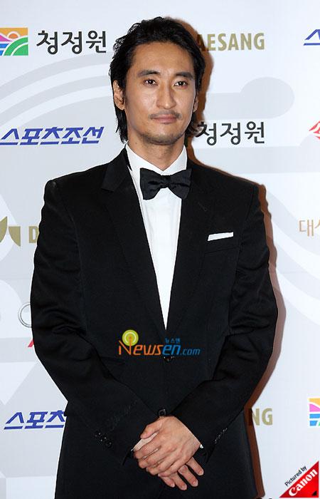 Korean actor Shin Hyun-joon at Blue Dragon Film Awards 2008 in Seoul