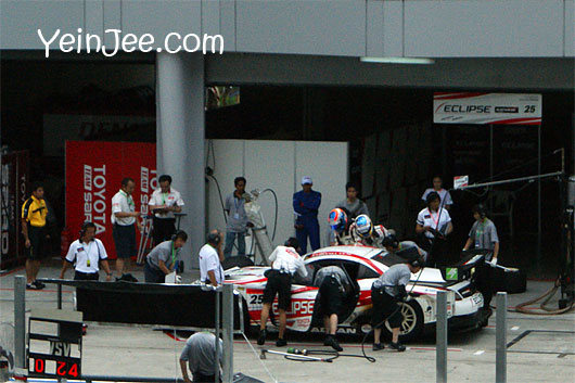 Pitstop action at Super GT Malaysia 2008