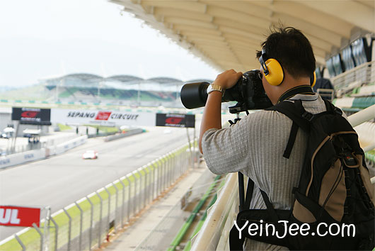 Pro-geared photographer at Super GT Malaysia 2008