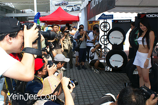 Photographers and Malaysian model at Super GT Malaysia 2008