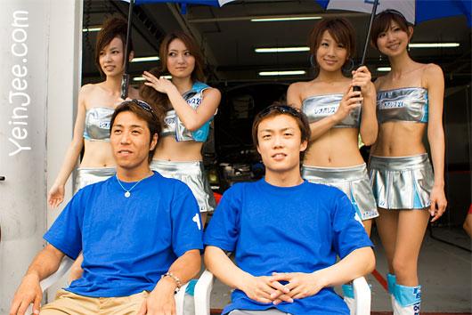 Japanese GT drivers Kazuki Hoshino, Hironobu Yasuda, and Mola race queens at Super GT Malaysia 2008