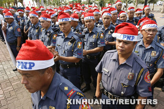 Picture of Santa cops in Manila, Philippines