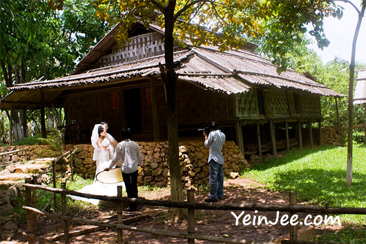 Wedding photography at Museum of Ethnology in Hanoi, Vietnam