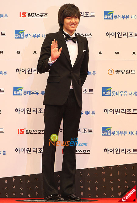 Lee Min-ho at Baeksang Arts Awards 2009 in Seoul