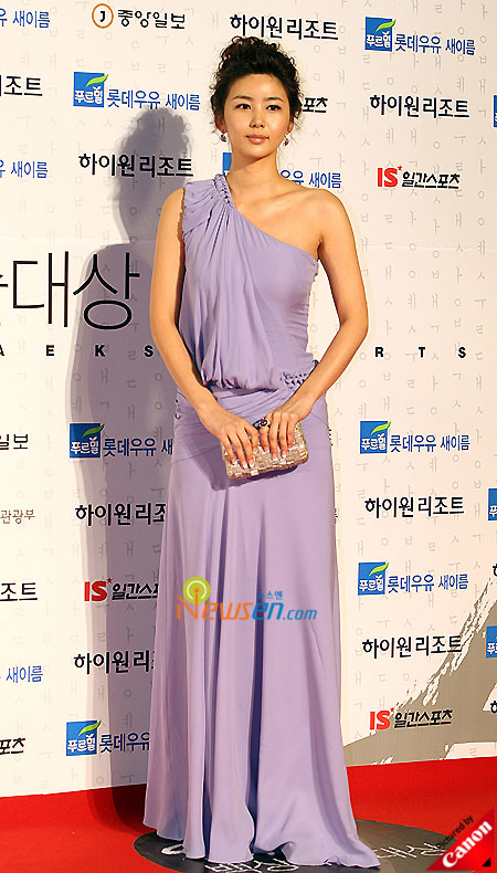 Park Sol-mi at Baeksang Arts Awards 2009 in Seoul