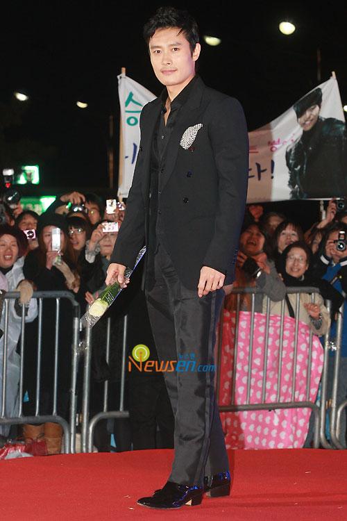 Lee Byung-hun at 2010 Baeksang Awards in Seoul