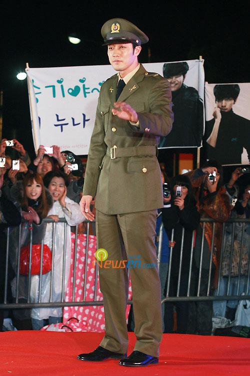 So Ji-sub at 2010 Baeksang Awards in Seoul