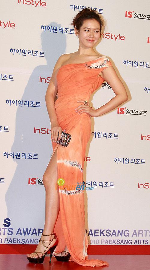 Son Ye-jin at 2010 Baeksang Awards in Seoul