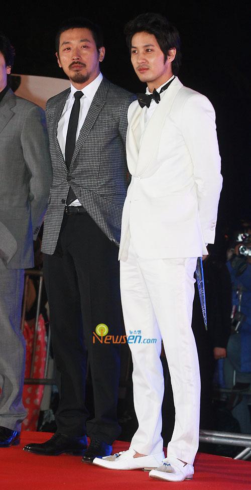 Ha Jung-woo and Kim Ji-suk at 2010 Baeksang Awards