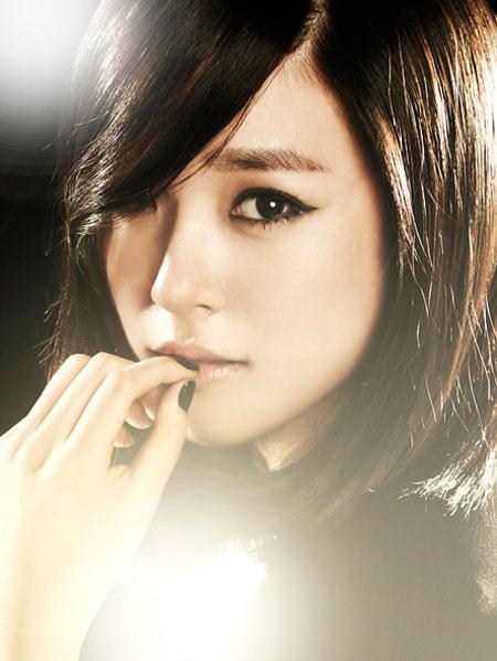 Girls Generation Tiffany black soshi photo