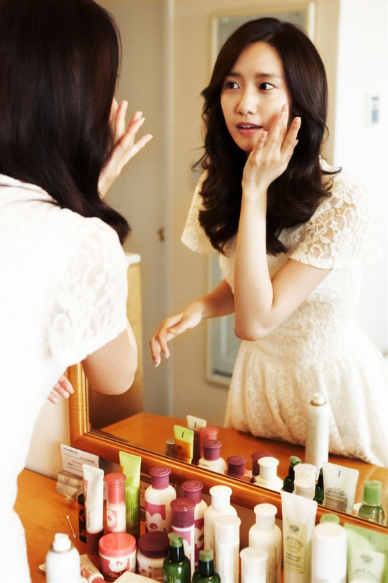 SNSD YoonA Korean cosmetics brand Innisfree