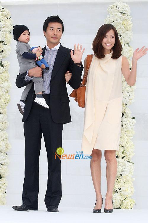 Kwon Sang-woo and Son Tae-young at Jang Dong-gun wedding