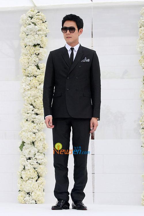 Lee Jung-jae at Jang Dong-gun wedding