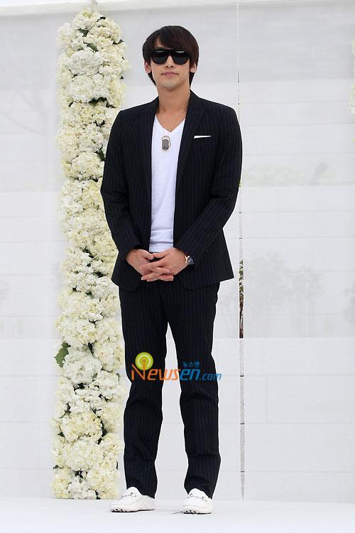 Rain Jung Ji-hoon at Jang Dong-gun wedding