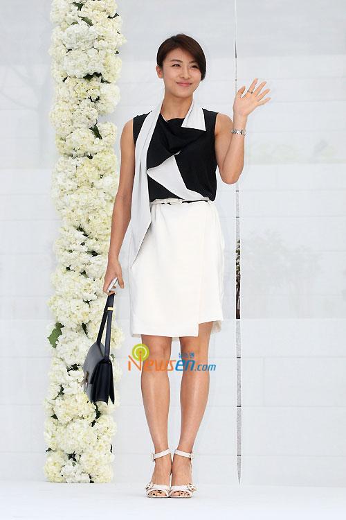Ha Ji-won at Jang Dong-gun wedding