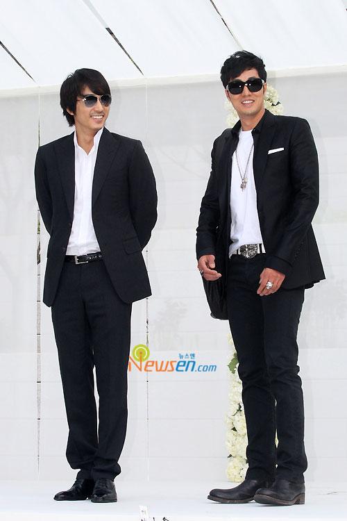 Song Seung-hun and So Ji-sub at Jang Dong-gun wedding