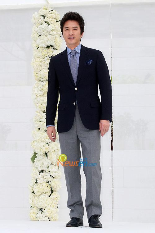 Jung Jun-ho at Jang Dong-gun wedding