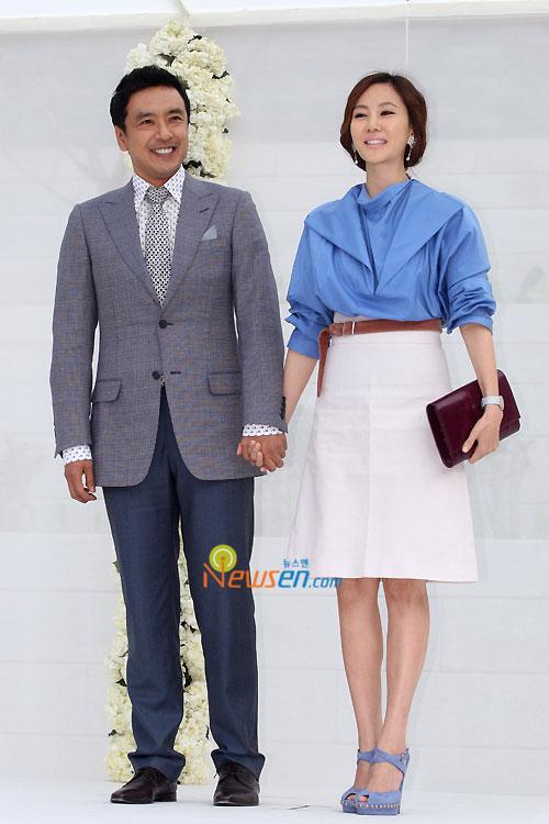 Kim Seung-woo and Kim Nam-joo at Jang Dong-gun wedding