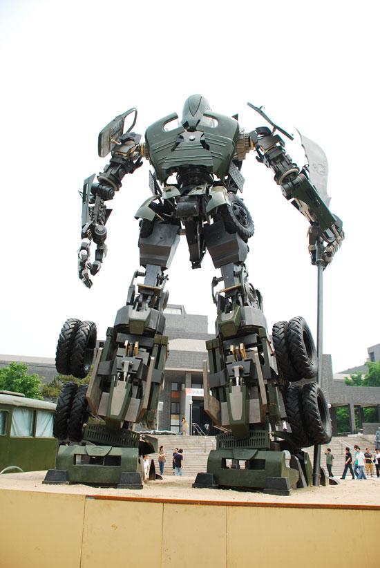 Chinese Guan Yu Transformers statue