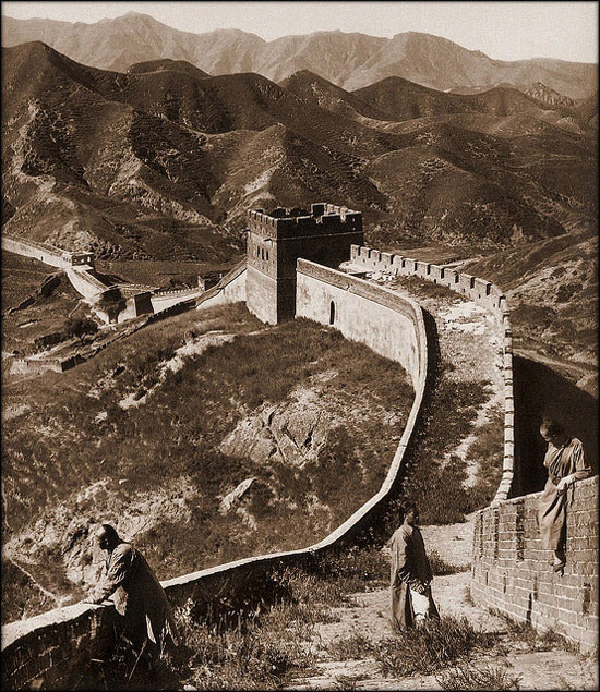 Old photo of the Great Wall of China