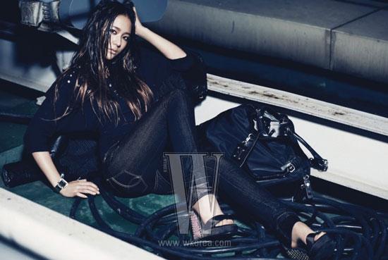 f(x) Krystal Calvin Klein Jeans W Magazine