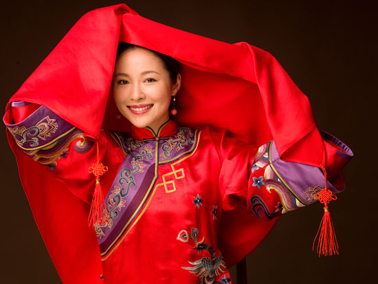 Jiang Yiyan in traditional Chinese wedding dress Chinese actresssinger