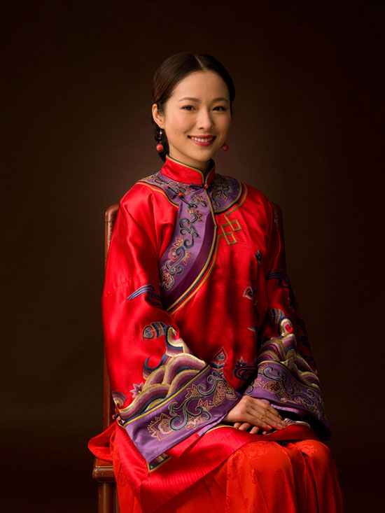 Jiang Yiyan in traditional Chinese wedding dress