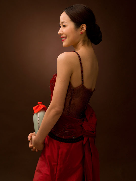 Chinese actress-singer Jiang Yiyan