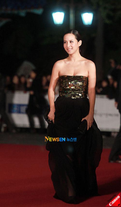 Jo Yeo-jung at Daejong Film Awards 2010
