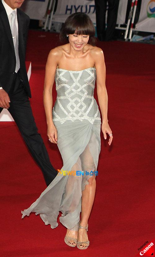 Jeon Do-yeon at Daejong Film Awards 2010