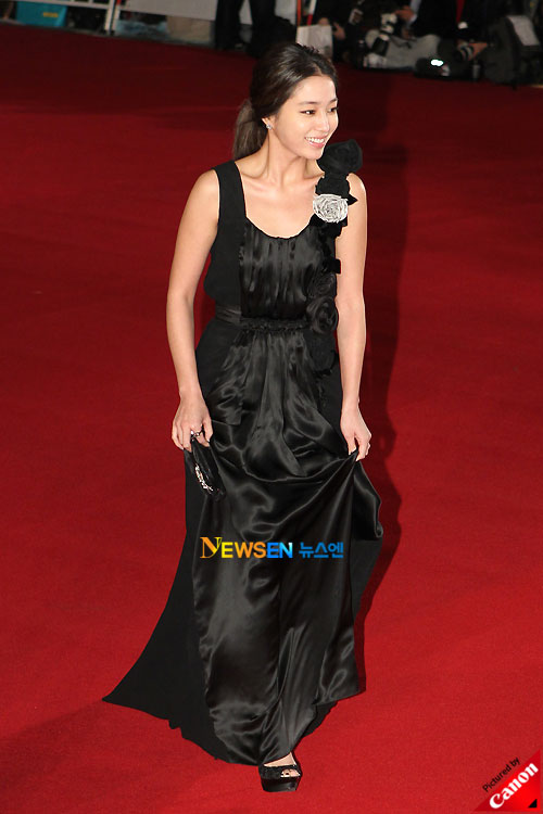 Lee Min-jung at Daejong Film Awards 2010