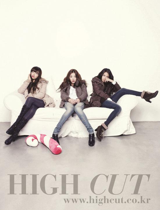 f(x) members High Cut magazine in Calvin Klein jeans