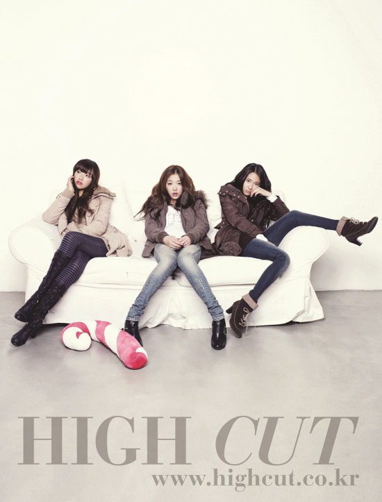 f(x) members on High Cut magazine in Calvin Klein jeans